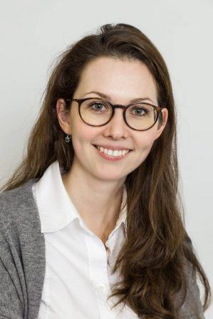 Dr. Julia Lieb